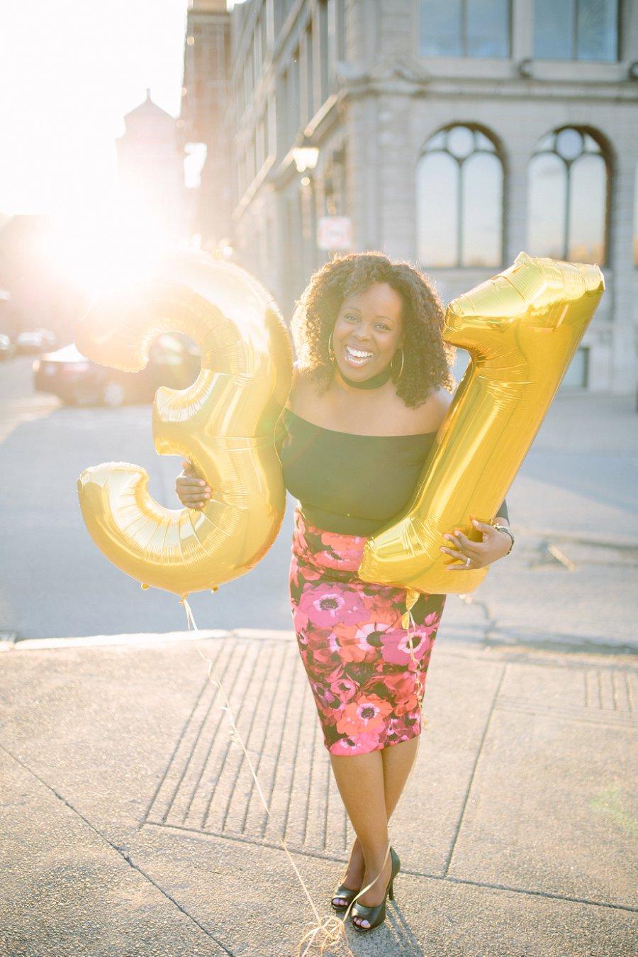 birthday-gold-letter-balloons-montreal-photographer_0260