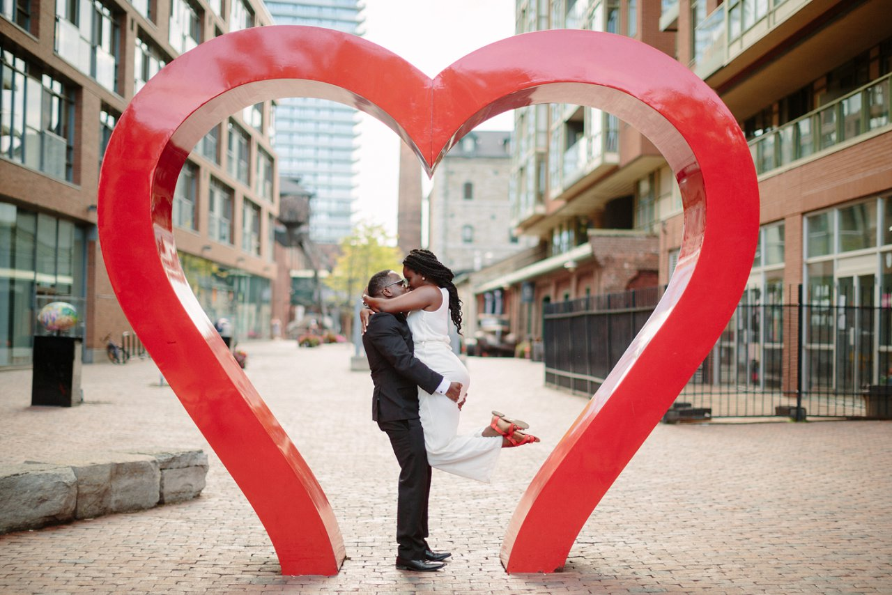 distillery-district-engagement-photos_0496